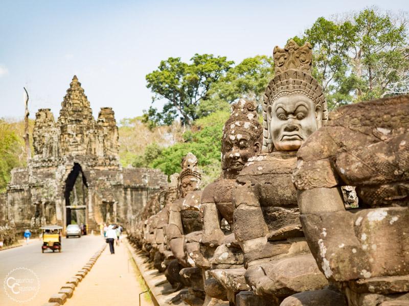 angkor-thom-entrance