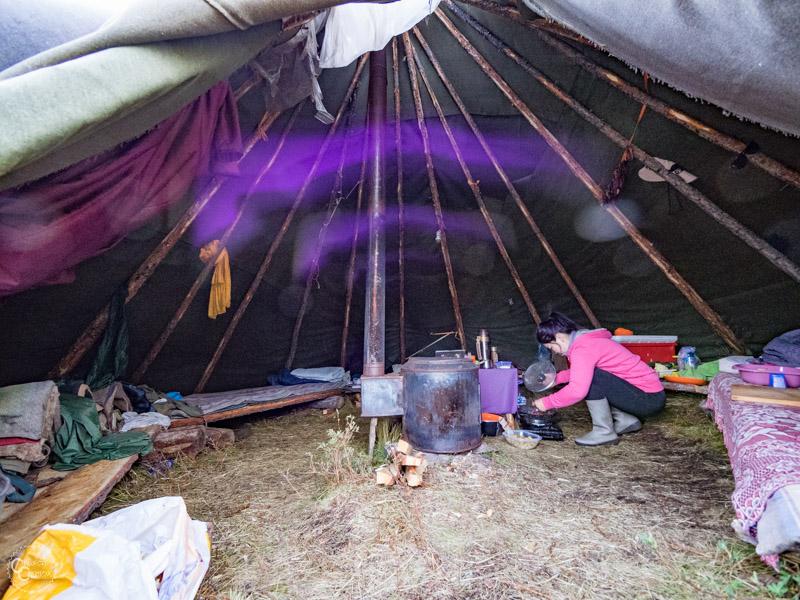 teepee-reindeer-tribe-mongolia