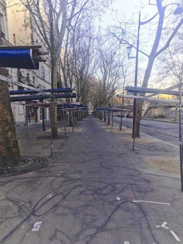 empty-outdoor-food-market-paris